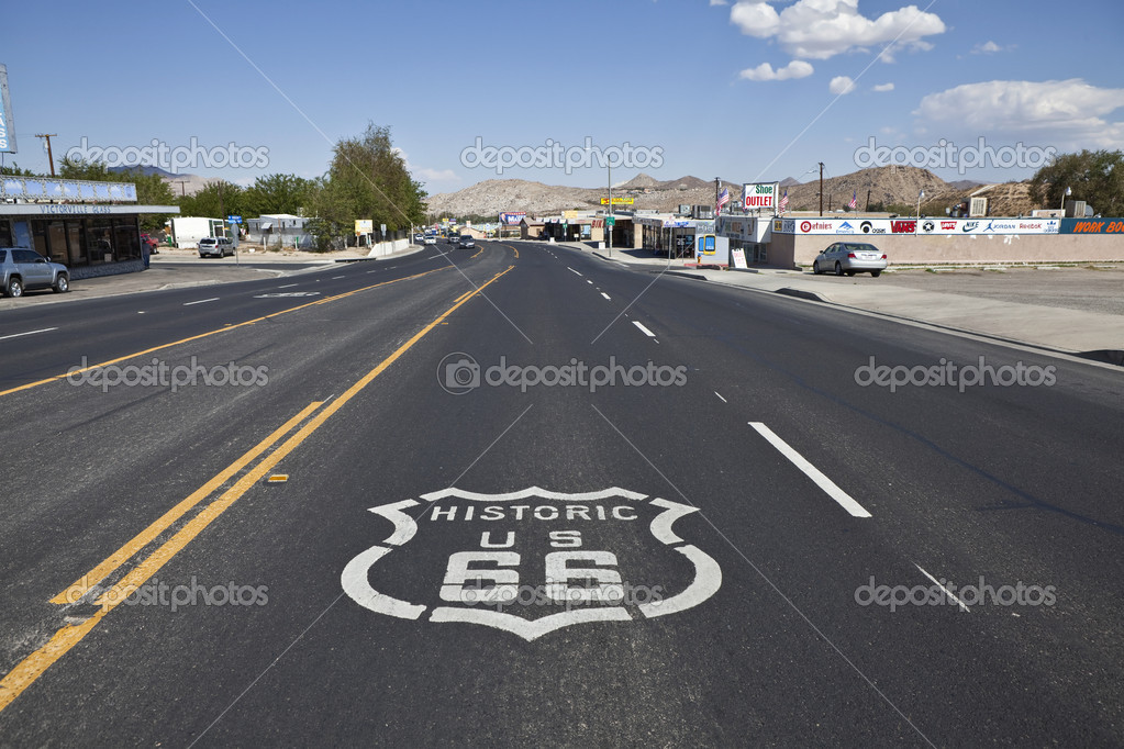 VICTORVILLE CALIFORNIA - OCTOBER 15:  The old town business district battles tough economic times by using its Route 66 heritage to attract visitors to historic — Stock Photo #8084030