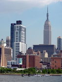 New York skyline with ESB — Stock Photo