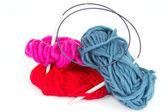 Ballen van wol met een breinaald — Stockfoto