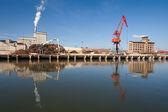 Industry in the river of Nervion, Bilbao, Bizkaia, Spain — Stock Photo