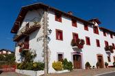 Hus i alcoz, ultzama, navarra, spanien — Stockfoto
