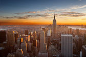 Sunset over manhattan — Stockfoto