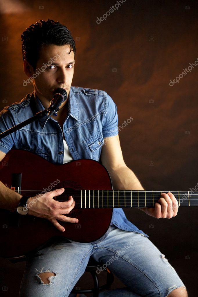 сонник к чему снится играть на гитаре дом-интернат