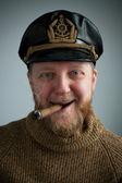 Marinaio con un sigaro fumare, maglia maglione — Foto Stock