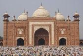 Worship at the Taj Mahal — Stock Photo