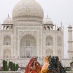 Indian Tourists at the Taj Mahal — Stock Photo #8126195