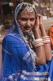 Dame in blauwe sari — Stockfoto