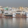 Pilgrims at Pushkar Lake — Stock Photo