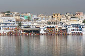 Pilgrims at Pushkar Lake — Stok fotoğraf