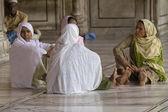 Vrouwen in een moskee — Stockfoto