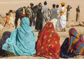 Indian Ladies in Brightly Coloured Saris — Stock Photo