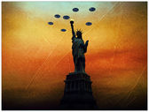 Ufo invaders over statue of liberty in old picture — Stock Photo
