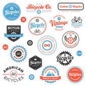Varias etiquetas de bicicleta y emblemas — Vector de stock