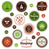 Etichette campeggio — Vettoriale Stock
