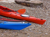Two Kayaks on the Beach — Stock Photo