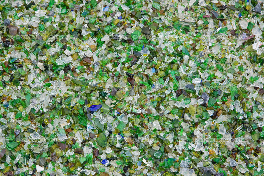 Crushed glass at a recycling plant in the UK — Stock Photo #8055625