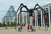 National Gallery of Canada and Maman — Stock Photo