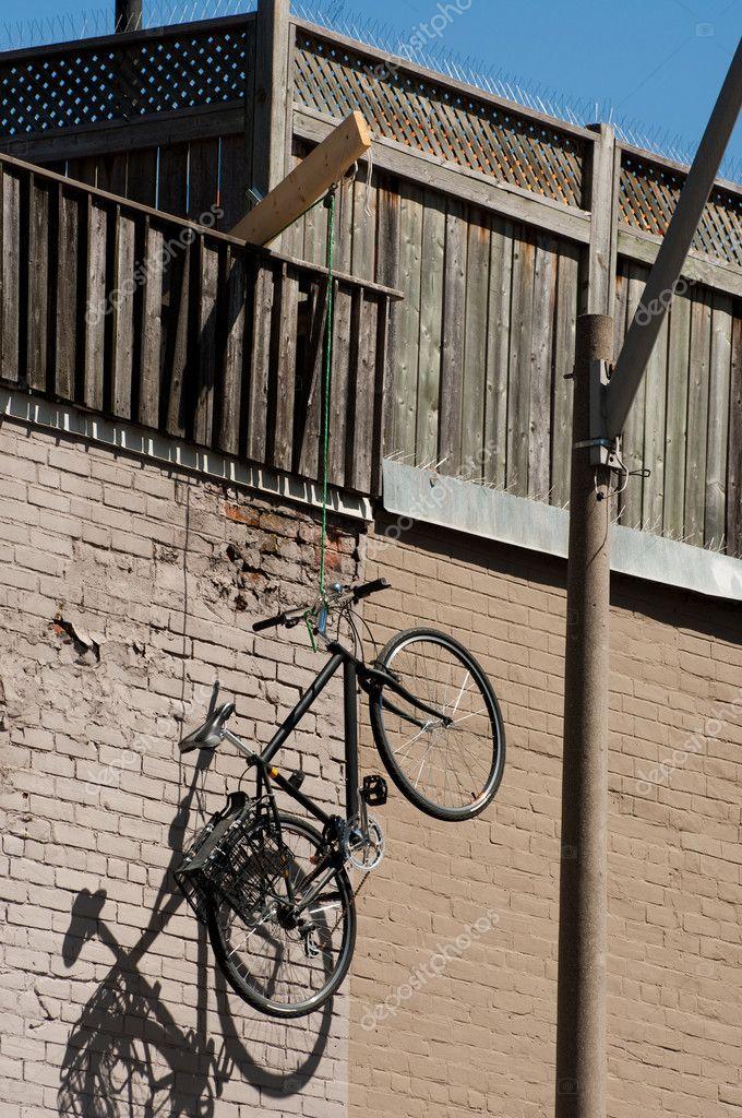 Как хранить велосипед на балконе зимой.