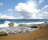 Blue sea waves and clouds — Stock Photo