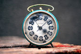 Old retro clock — Stockfoto