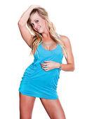 Bardzo młoda brunetka w krótkiej sukience — Zdjęcie stockowe