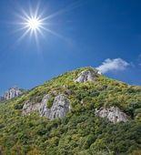 Montanha verde — Fotografia Stock