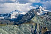 Majestuosas montañas, altai de rusia — Foto de Stock