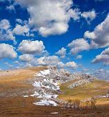 весенний пейзаж горы — Стоковое фото