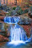 Majestueuse chute d'eau — Photo