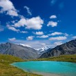Emerald lake in altai mountains — Stock Photo #8171331