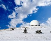 Mountain astronomic observatory in winter — Stock Photo