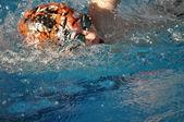 Ein Schwimmer im Wasser — Stock Photo
