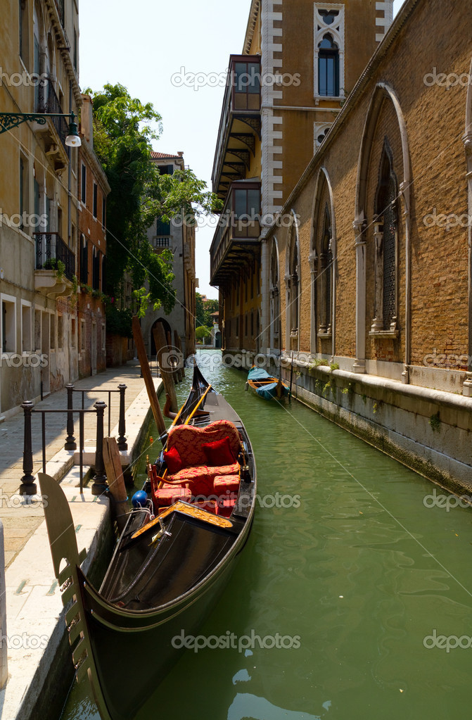 Gondola on Venice — Stock Photo #8442736