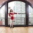vacker kvinna i santa outfit — Stockfoto