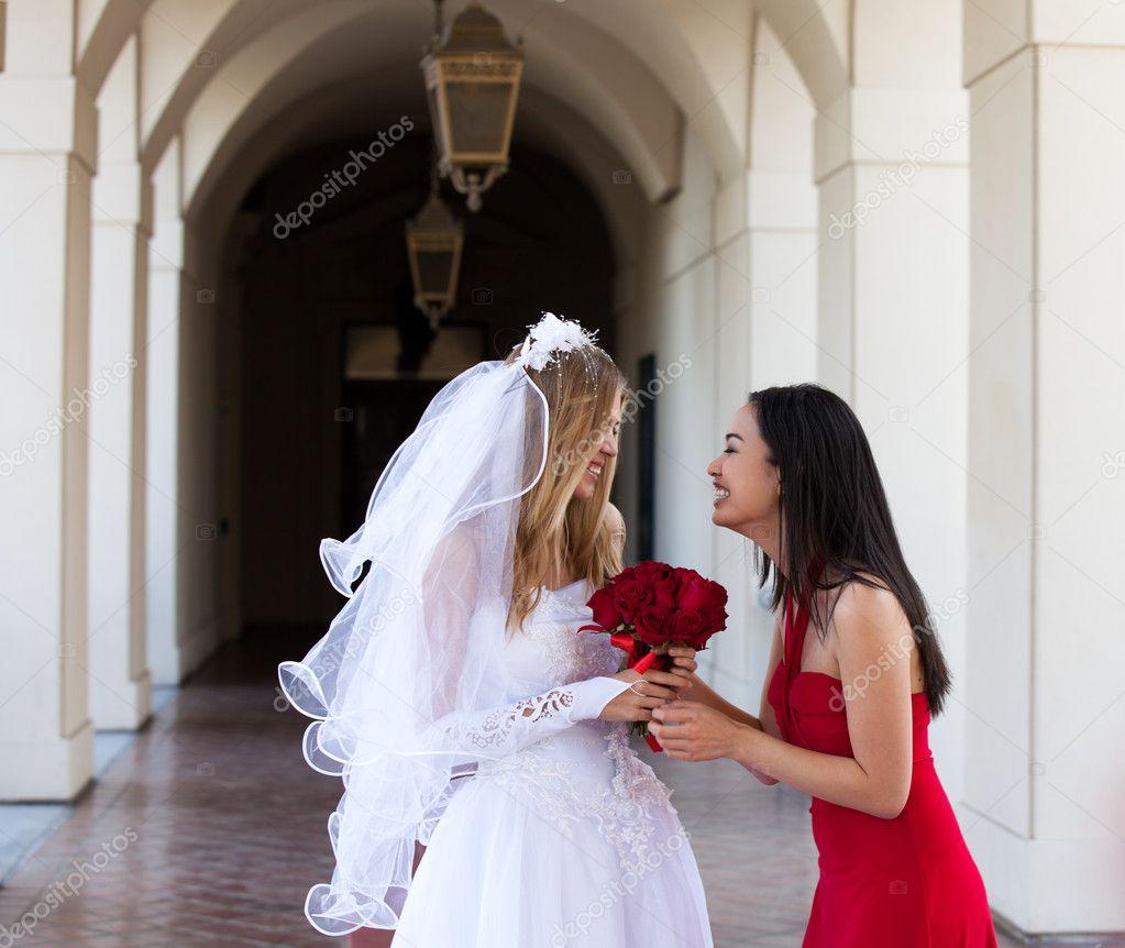 Поздравления сестры на свадьбу сестренке