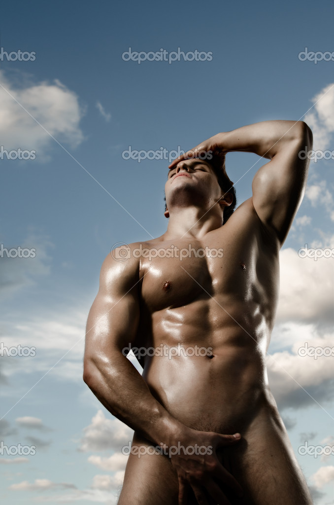 The very muscular handsome sexy guy on dark background, posture — Stock Photo #8205108