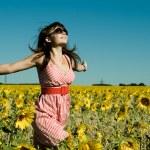Beautiful woman runs on a glade — Stock Photo #8220753
