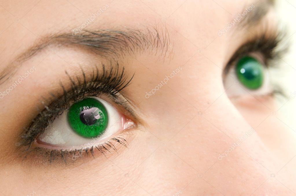 Как сделает зеленые глаза карим глазам