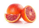 Rojas sangre naranjas aisladas sobre fondo blanco — Foto de Stock