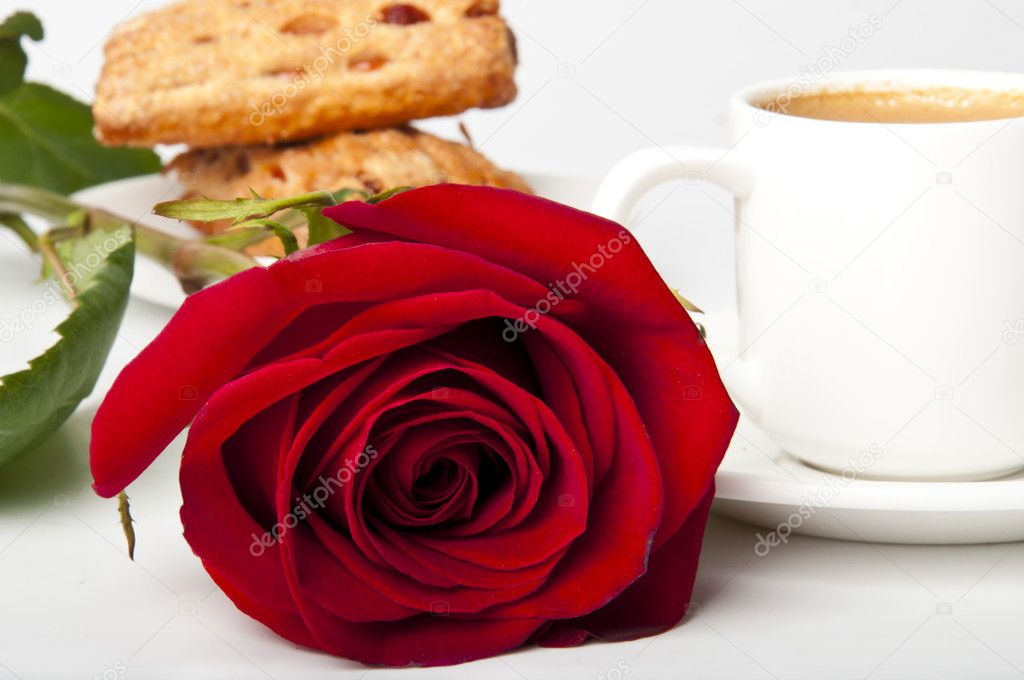 caf petit d jeuner romantique avec rose rouge photographie timolina 9094181. Black Bedroom Furniture Sets. Home Design Ideas