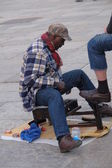 Shoe Cleaner in Lisbon — Stock Photo