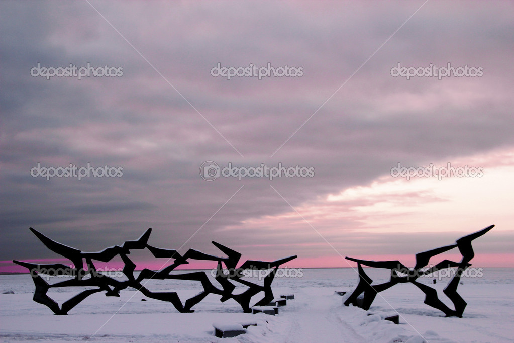 Winter landscape with a monument of swallows. the main beach in Saint-Petersburg.  Stock Photo #8545817