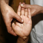 Indian ayurvedic hand oil massage — Stock Photo #8044337