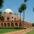 Humayun tomb and beautiful landscape gardens, delhi, india — Stock Photo #8044662