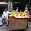 Old couple at juice shop, delhi, india — Lizenzfreies Foto