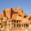 Indian temple ruin infront of massive rock boulders, hampi, india — Stock Photo