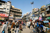 Busy city street in delhi, india — Stock Photo
