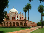 Humayun tomb and beautiful landscape gardens, delhi, india — Stock Photo