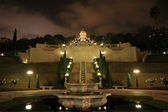 Bahai temple a zahrada v noci — Stock fotografie