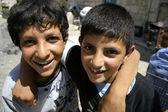 Dos niños palestinos jugando — Foto de Stock